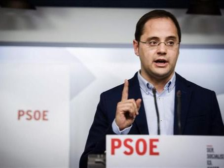 César Luena: ' En tres meses se acabará con el Gobierno del fraude y la mentira'