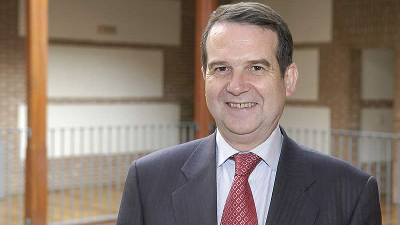 Abel Caballero elegido, entre polémica, presidente de la FEMP