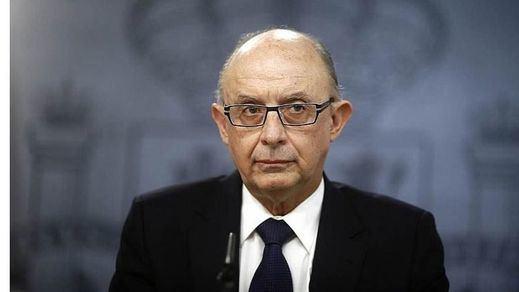 El Gobierno se endeudará en 630,57 millones de euros para pagar a funcionarios y comprar carros militares