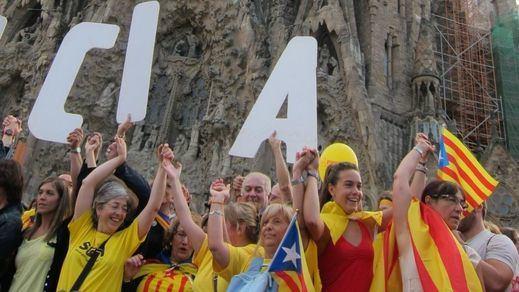 Última oleada de advertencias contra la independencia: empresarios, bancos y sindicatos se suman al 'no'