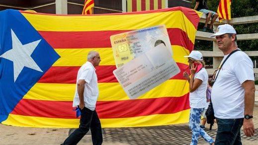 Nacionalidad española o no para los catalanes independizados: ¿quién tiene razón?