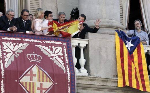 "Iglesias afirma que Colau y Pisarello han enseñado ""respeto institucional"" a ERC y PP"