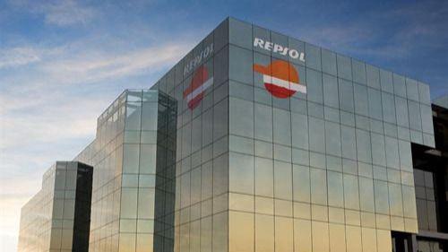 Repsol sube más de un 3% tras anunciar su salida de CLH con la venta del 10% al grupo Ardian