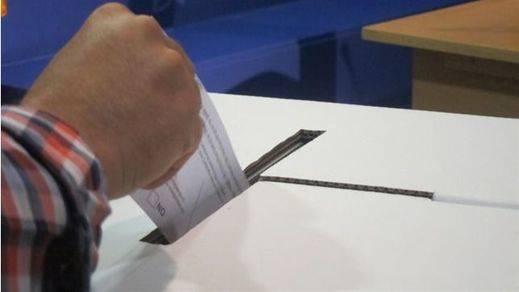 Cuatro pueblos no catalanes también votan