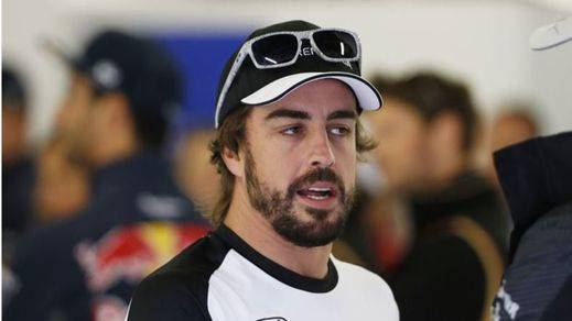 Alonso se reconcilia con McLaren tras su calentón: