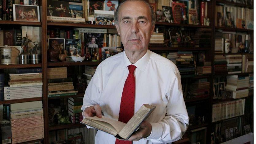 El 'Cuaderno de vacaciones' de Luis Alberto de Cuenca, Premio Nacional de Poesía