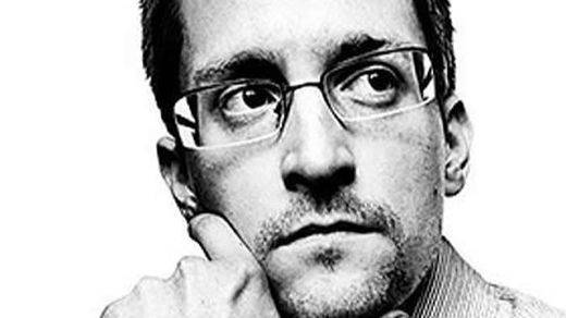 Snowden, el consultor que filtró los documentos secretos de espionaje de EEUU, se abre un Twitter