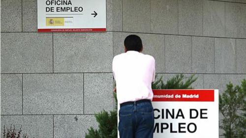 Las cifras desmienten el optimismo de Rajoy: 26.087 parados más en septiembre