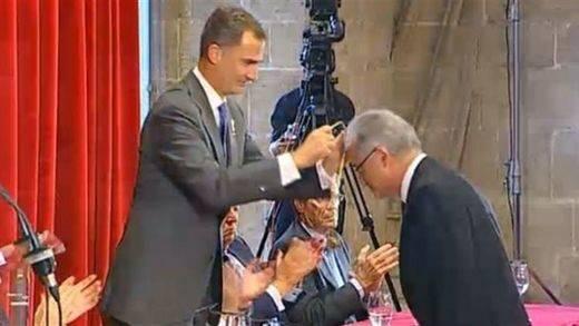 El Rey insta a aumentar la inversión en ciencia española durante la entrega de los Jaime I