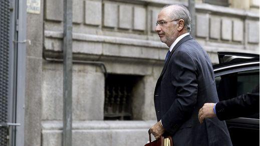 El juez deja en libertad a Rato pero le retira el pasaporte tras su comparecencia