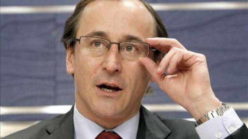 Alonso critica al PP vasco por no exigir