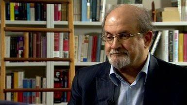 Rushdie tiene claro que el fanatismo se combate con cultura, como defiende en su último libro