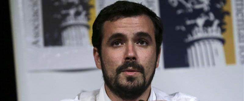 >> Garzón asume que competirá con Iglesias y critica el giro al centro de Podemos