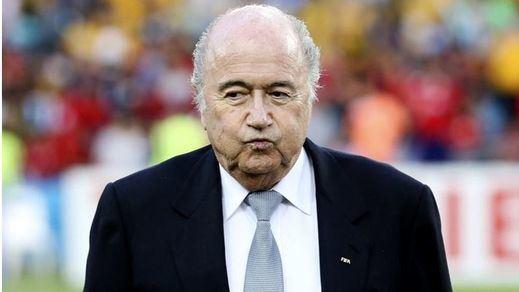 El cerco se estrecha: el Comité de Ética de la FIFA suspende provisionalmente a Blatter durante tres meses