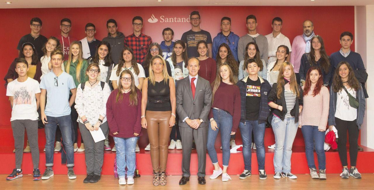Banco Santander se suma al ´Día de la Educación Financiera´