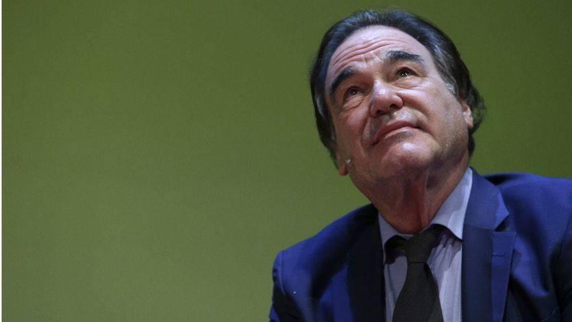 El director de cine Oliver Stone, sin pelos en la lengua: 'Aznar fue el perro faldero de Bush'