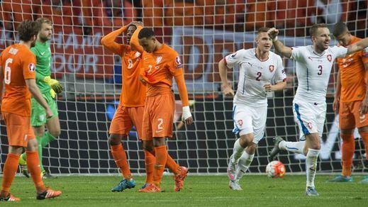 Ni 'naranja' ni 'mecánica': (2-3) Chequia deja a Holanda fuera de la Eurocopa 2016