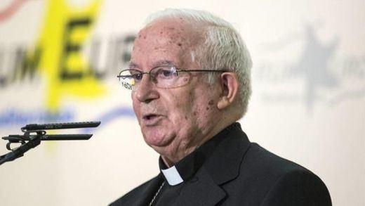 El arzobispo Cañizares pregunta si en la 'invasión' de emigrantes 'es todo trigo limpio'