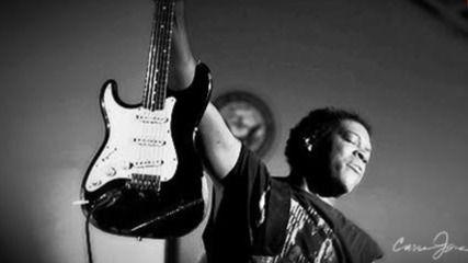 Carvin Jones, el rey de la guitarra blues, cierra en España su gira europea