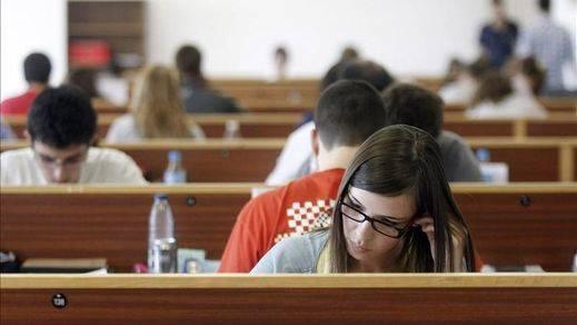 '¿Bendita ignorancia?': Los españoles tenemos el nivel educativo más bajo de OCDE, pero somos más felices