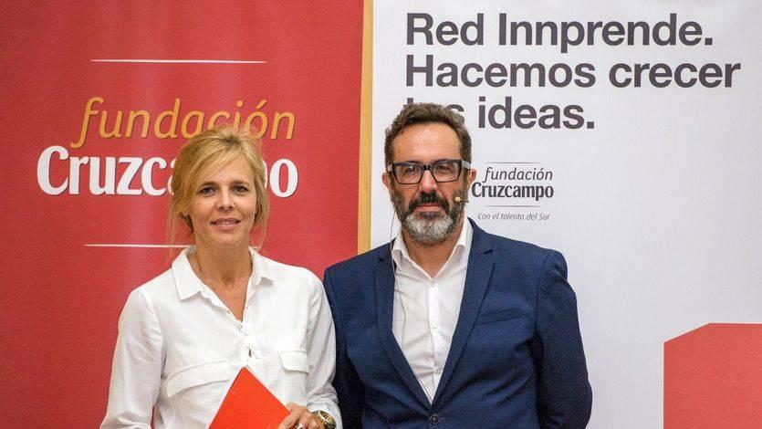 María Ángeles Rodríguez de Trujillo, directora de la Fundación Cruzcampo, y Alberto Barreiro, CEO de Barrabés Meaning