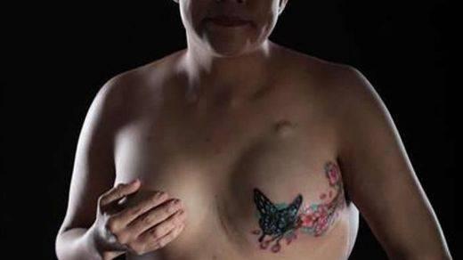 Tatuajes para supervivientes del cáncer de mama: una forma de cerrar las heridas y mejorar la autoestima