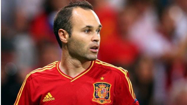 El 'mago' Iniesta, único español aspirante al Balón de Oro