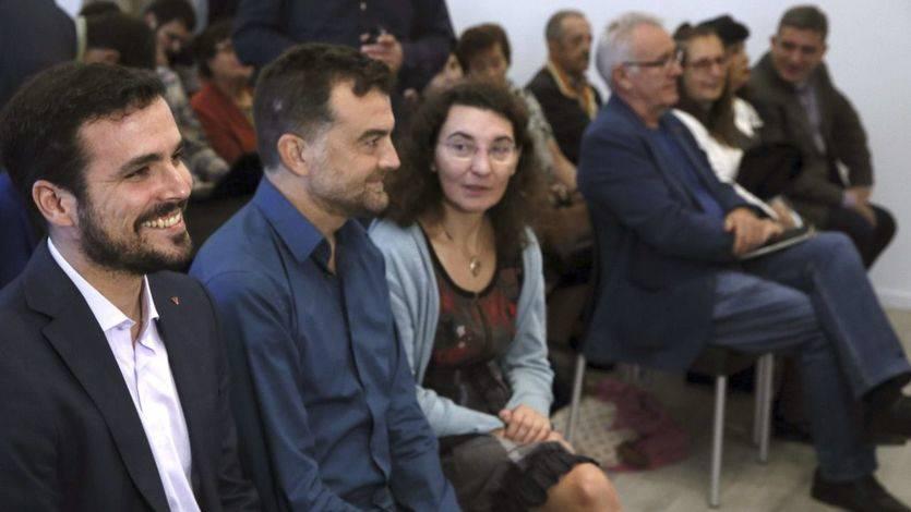 Alberto Garzón y Begoña Marugán en la presentación de la candidatura del diputado de IU