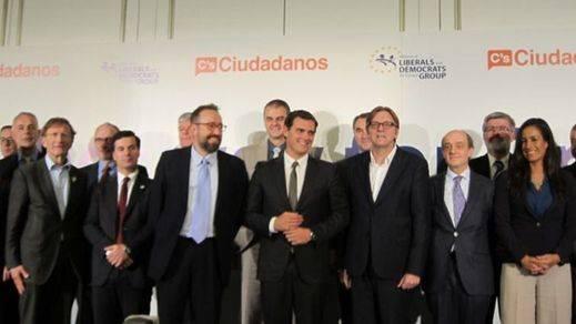 Rivera también celebra su propia minicumbre europea con sus socios de la alianza liberal demócrata