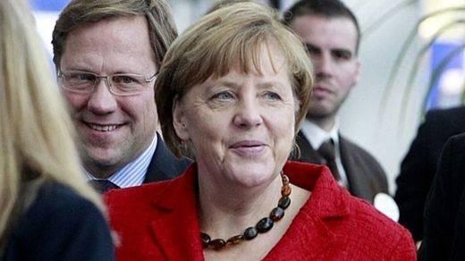 Merkel defiende ante Rajoy la integridad territorial de los Estados europeos