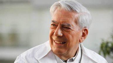 Vargas Llosa celebrará en marzo su 80º cumpleaños con 'Cinco esquinas', su nueva novela