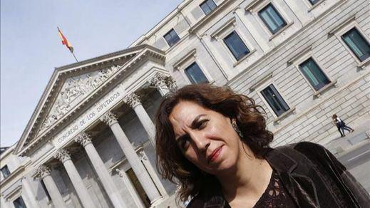 Irene Lozano se mantiene inmune ante las presiones: