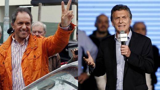 El peronismo se complica la sucesión en Argentina aunque Scioli supera a Macri en primera ronda