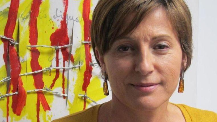 Carme Forcadell ya es la presidenta del Parlament al grito de 'Viva la República catalana'