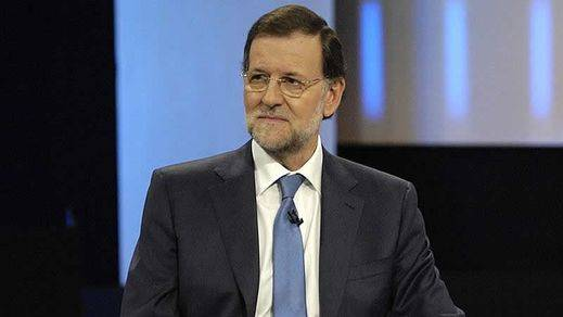 El 'gran cambio' de Rajoy: del plasma a las preguntas grabadas