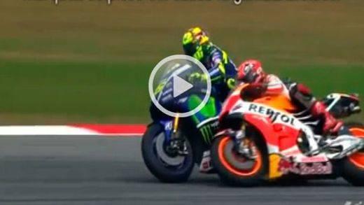 Continúa la polémica Rossi-Márquez, un video cuestiona que el italiano tirara al español