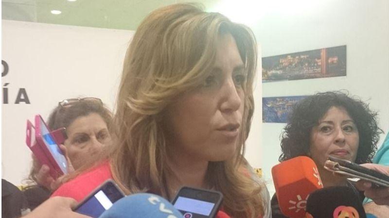 Susana Díaz toma la iniciativa y pide a Rajoy que convoque 'en los próximos días' un gran acto en defensa de la unidad de España