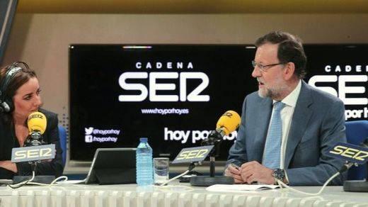 Rajoy revela reuniones con Sánchez y Rivera y se pensará si incluye también a Iglesias