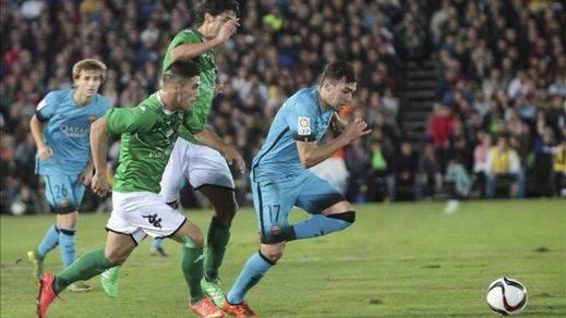 El Barça se suma a la fiesta de un valiente Villanovense que plantó cara a los azulgrana (0-0)