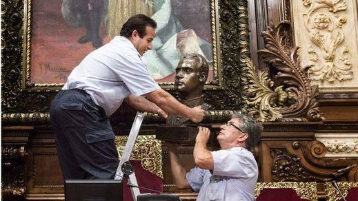 El Gobierno demanda al Ayuntamiento de Barcelona por no colgar el retrato del Rey