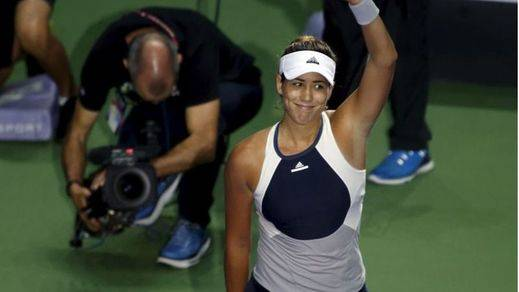 Garbiñe suma y sigue: también gana a Kvitova y se mete invicta en semifinales del torneo de Maestras