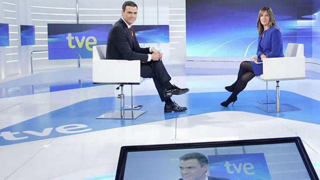 La queja de Sánchez: 'Los españoles quieren un giro a la izquierda' pero Podemos dejaría que gobernara el PP antes que el PSOE
