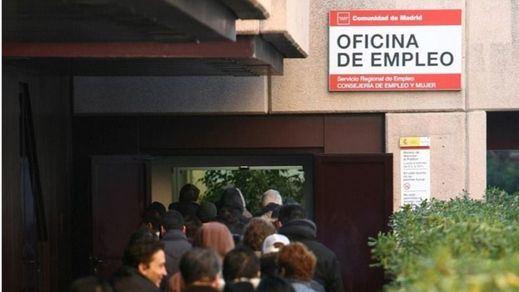 El paro le sube a Rajoy en plena precampaña: 82.327 desempleados más y van 3 meses de ascensos
