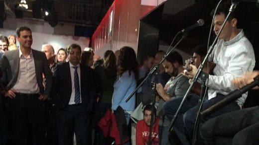 Sánchez promete recuperar el Ministerio de Cultura pero no suma al 'clan' de Zapatero a su causa