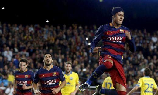 El Barça, con brillo y relax, gana al BATE y huele a octavos (3-0)