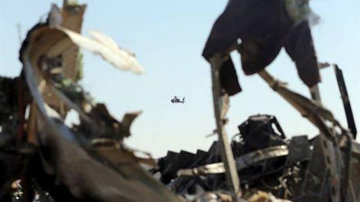 El avión ruso fue derribado por un 'artefacto explosivo' y Reino Unido suspende los vuelos sobre el Sinaí