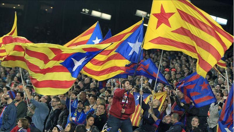Recogen firmas para que la UEFA cierre el Camp Nou dos jornadas por mostrar esteladas