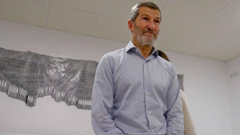 El candidato y ex general José Julio Rodríguez en la sede de Podemos