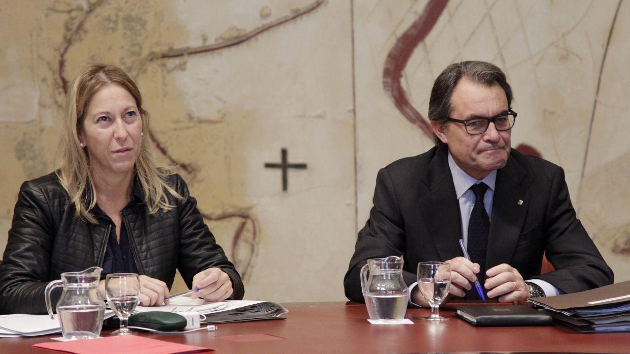 Cataluña se posiciona en contra de las decisiones de sus dirigentes