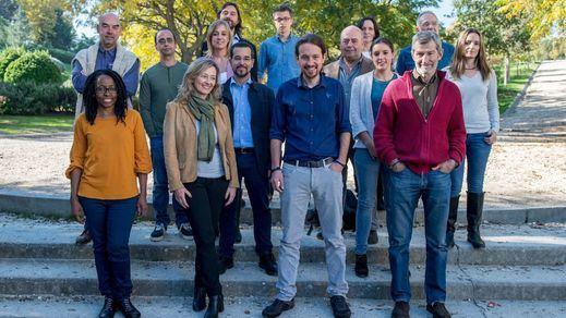 Iglesias se rodea de su equipo de confianza en la listas de Podemos para el 20-D